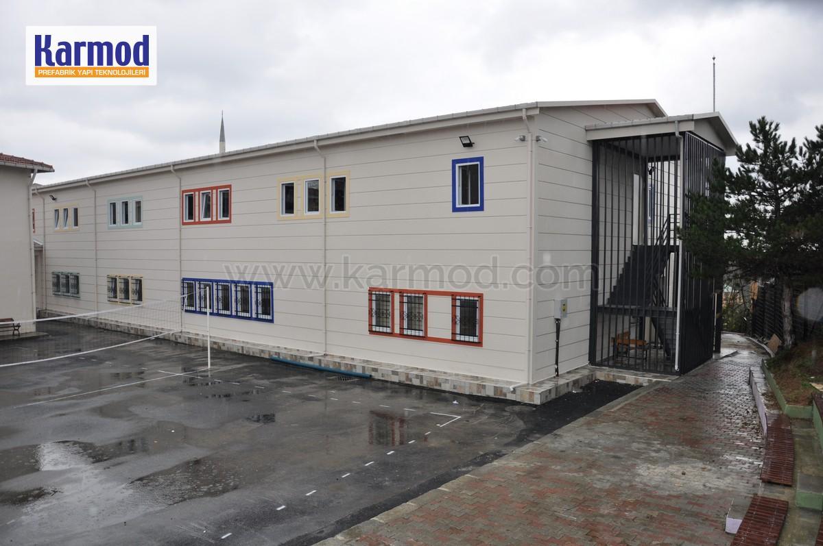 Modular classroom buildings and school buildings