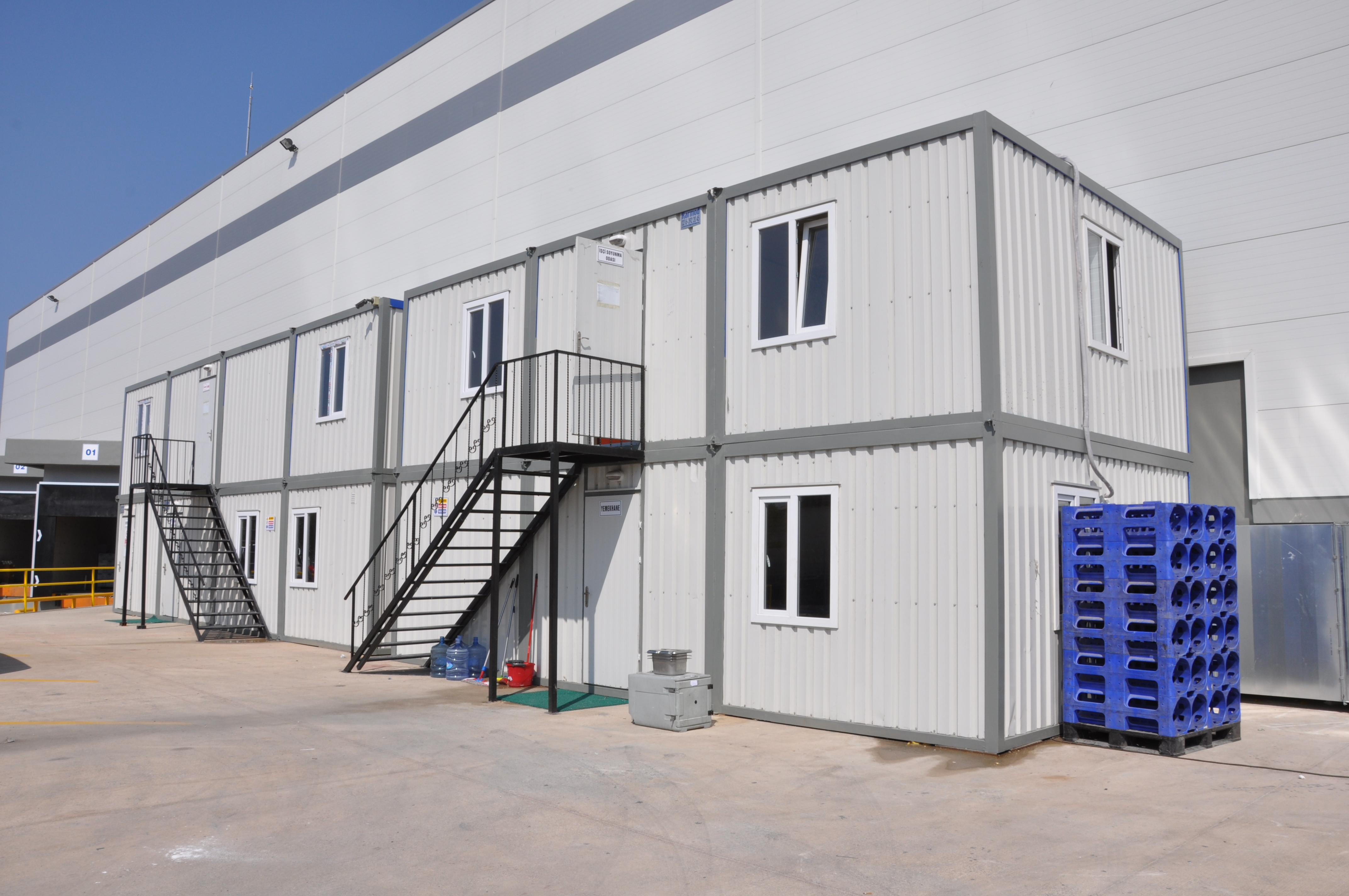Portable containers site office container buildings karmod for Site office design