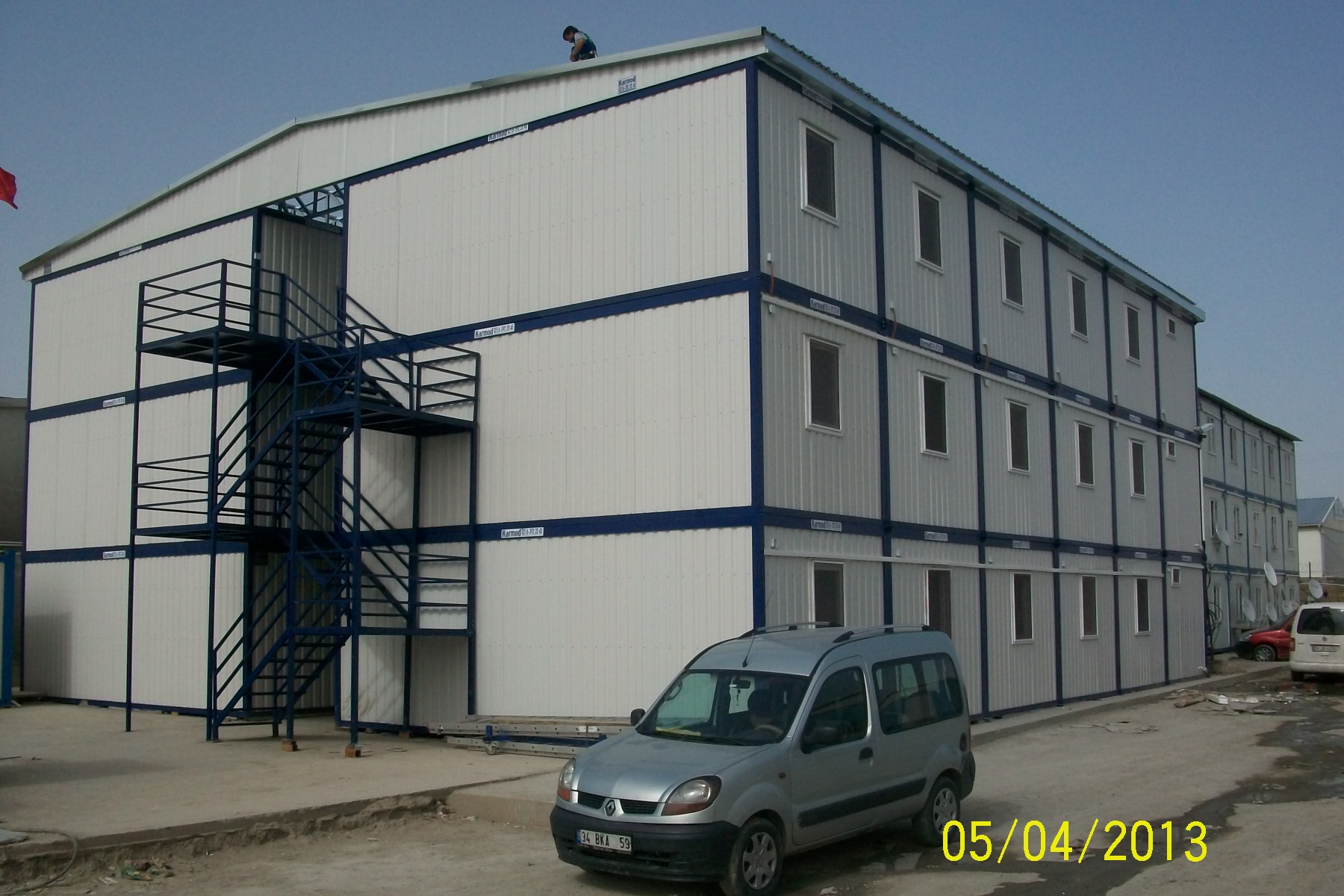 Containers business office industrial pre fab for Construction container