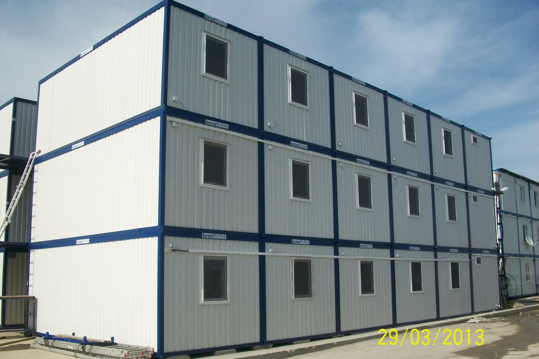 Containers business office industrial pre fab for Prefab units