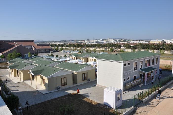 prefabricated houses Syrian refugees